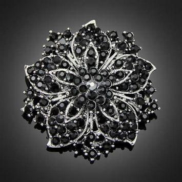 Серый с черным камнем