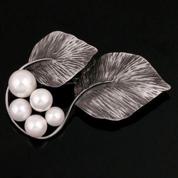 Серый с белым жемчугом