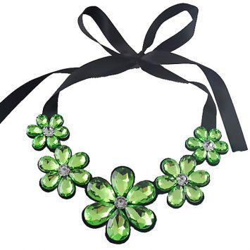Черный с зеленым камнем