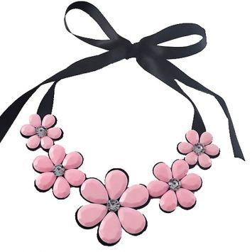 Черный с розовым камнем
