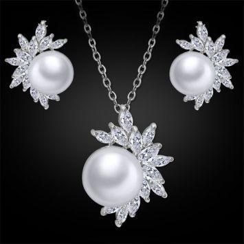 Набор украшений - Из перлов