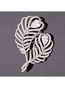 Женская брошь - Перья