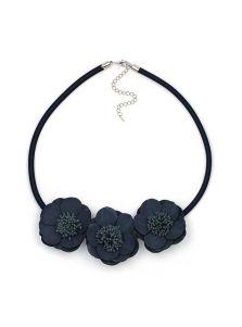 Женское колье - Мягкий цветок
