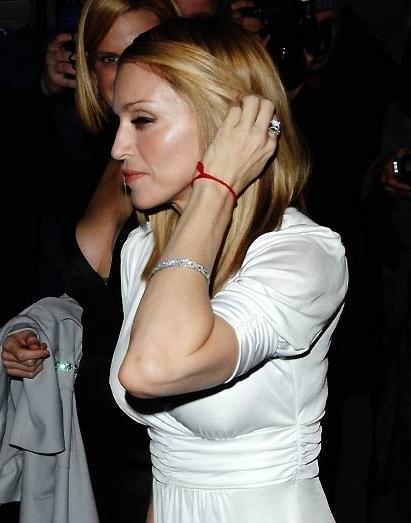 Мадонна-красная нить
