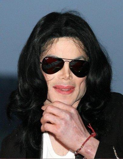 Майкл Джексон - красная нить