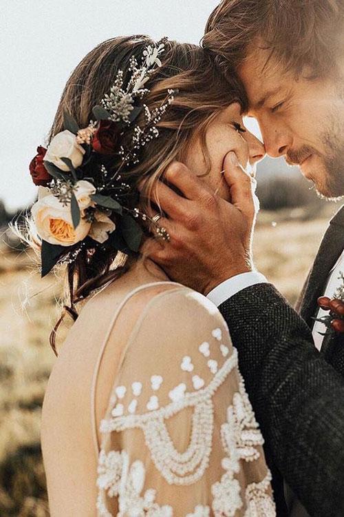 Свадебный венок из искусственных цветов