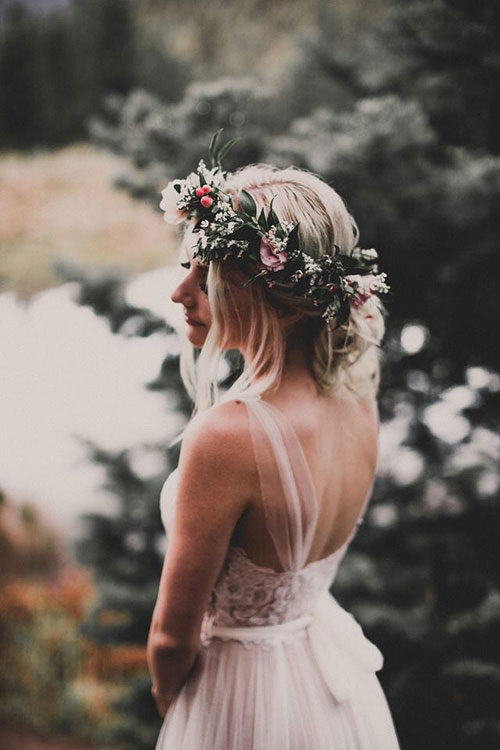 Красочный свадебный венок