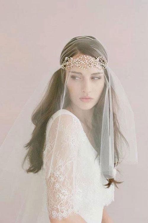 Свадебный венок из кристаллов и жемчуга на лоб