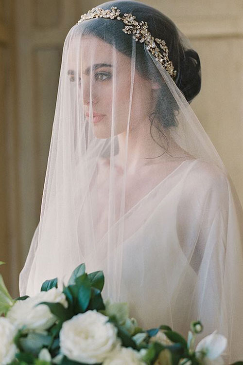 Свадебный венок из кристаллов и страз с фатой