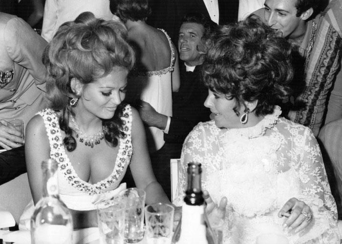 Клаудиа Кардинале и Элизабет Тейлор в Bvlgari (1967)
